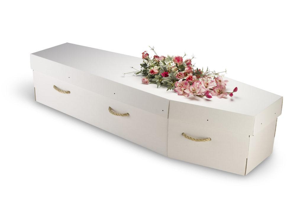 Les cercueils en carton et en osier autorisés en Wallonie : plus verts et moins chers ?