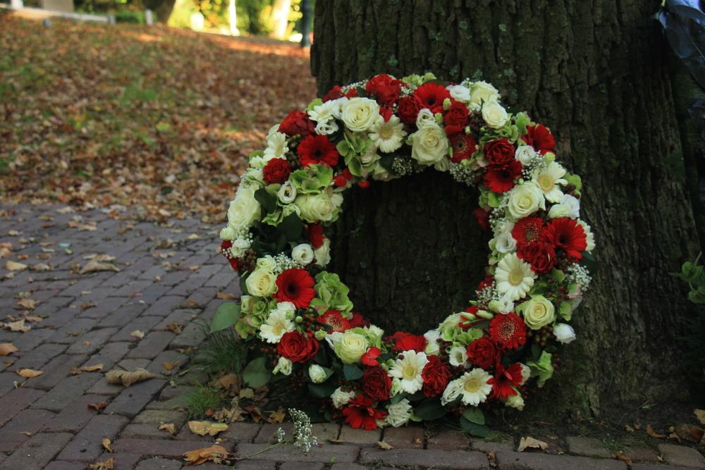 Idées de bouquets et compositions florales pour un décès